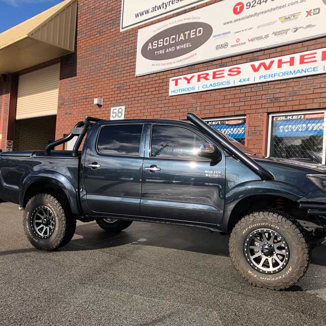 Versus wheels perth Versus Grinder 17 inch on Toyota Hilux