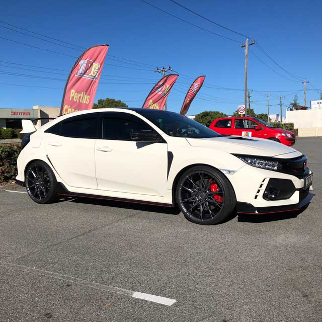 20 inch Niche rims on honda civic ty r