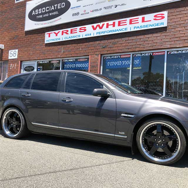 20 inch Nitto tyres for ve commodore